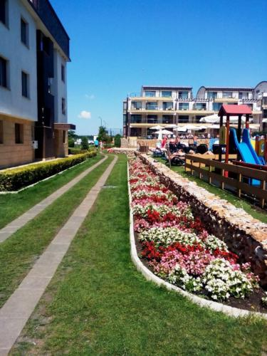 Апарт-комплекс Топола Скайс
